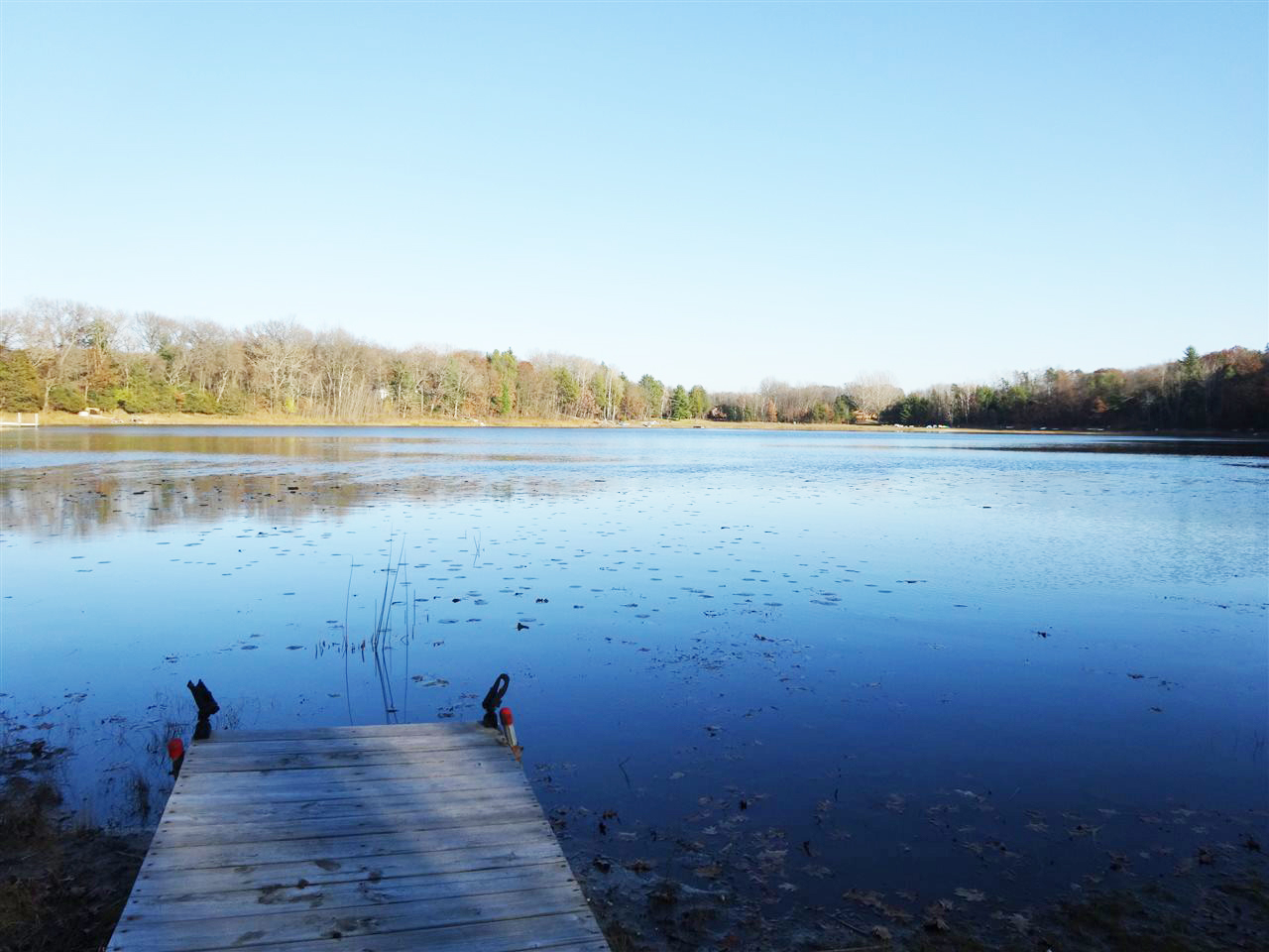 Photo of a tranquil lake near our Wisconsin Dells cabin rentals
