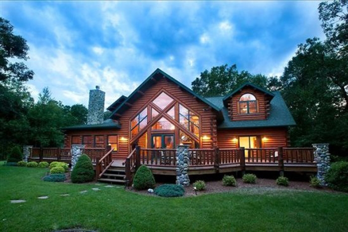 Sand county vacation rentals sand county vacation homes for Cheap cabins in wisconsin dells